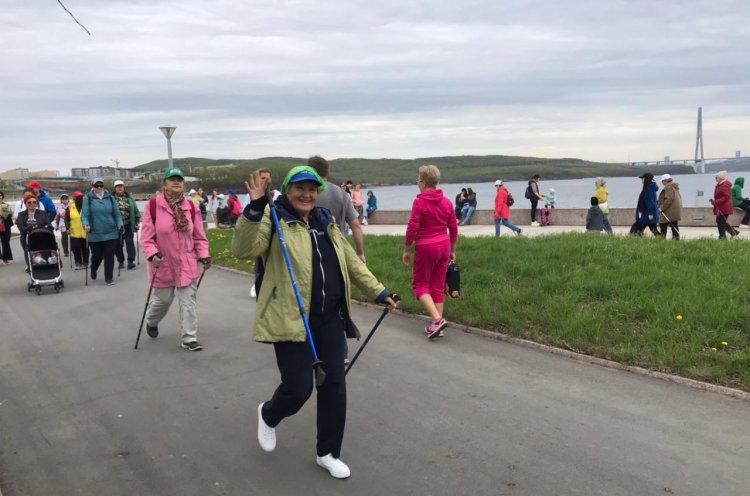 Всемирный день скандинавской ходьбы отметили в Приморье