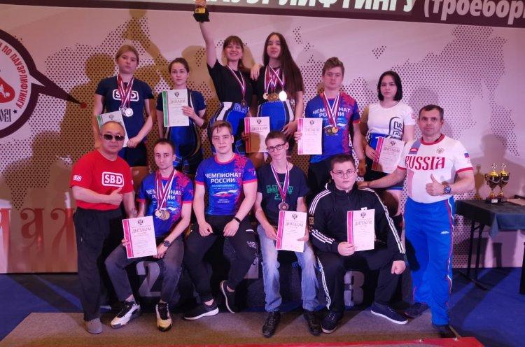Приморские пауэрлифтеры привезли с первенства России четыре золотые медали