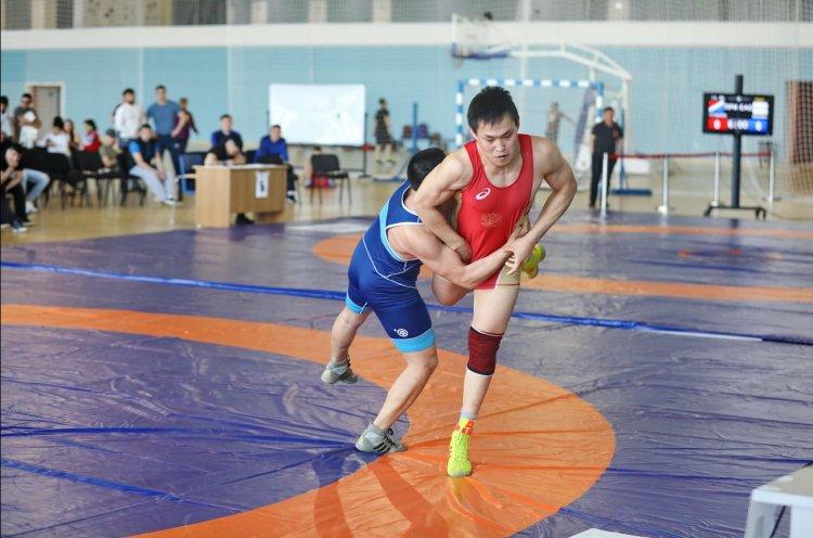 Всероссийский турнир по спортивной борьбе собрал спортсменов из 21 региона страны