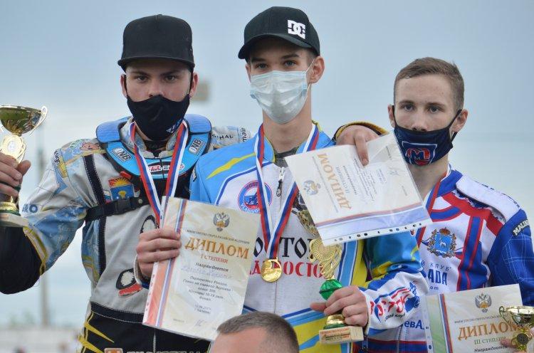 Приморец Никита Коровко выиграл первенство России по спидвею