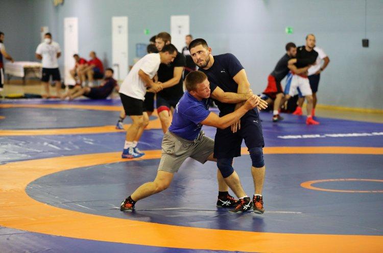 Настроены побеждать: российские борцы выходят на пик формы в Приморье перед Олимпиадой