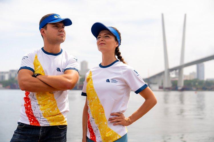 Организаторы Galaxy Vladivostok Marathon показали стартовый пакет участника