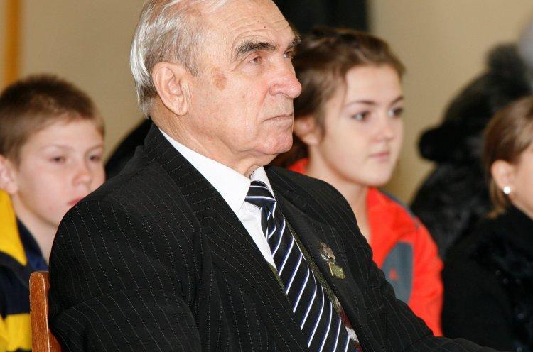Поздравление с 90-летним юбилеем Владимира Железнова