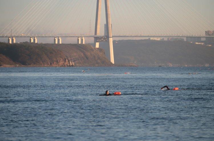 Более 200 участников переплыли пролив Босфор Восточный
