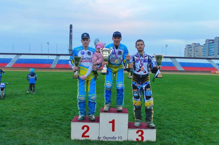 Гонщик «Востока» Сергей Логачев второй год подряд стал чемпионом России по спидвею